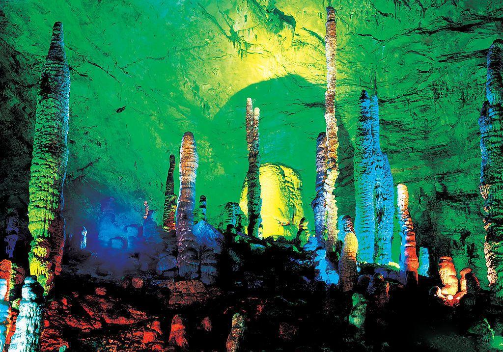 长沙到张家界森林公园、黄龙洞或玻璃桥、凤凰古城四日游 (早晚两班 天天发团)